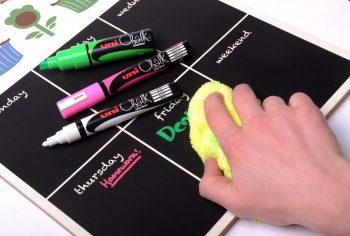 Pennarello Uni Chalk con punta da 1 mm cancellabile con Acqua